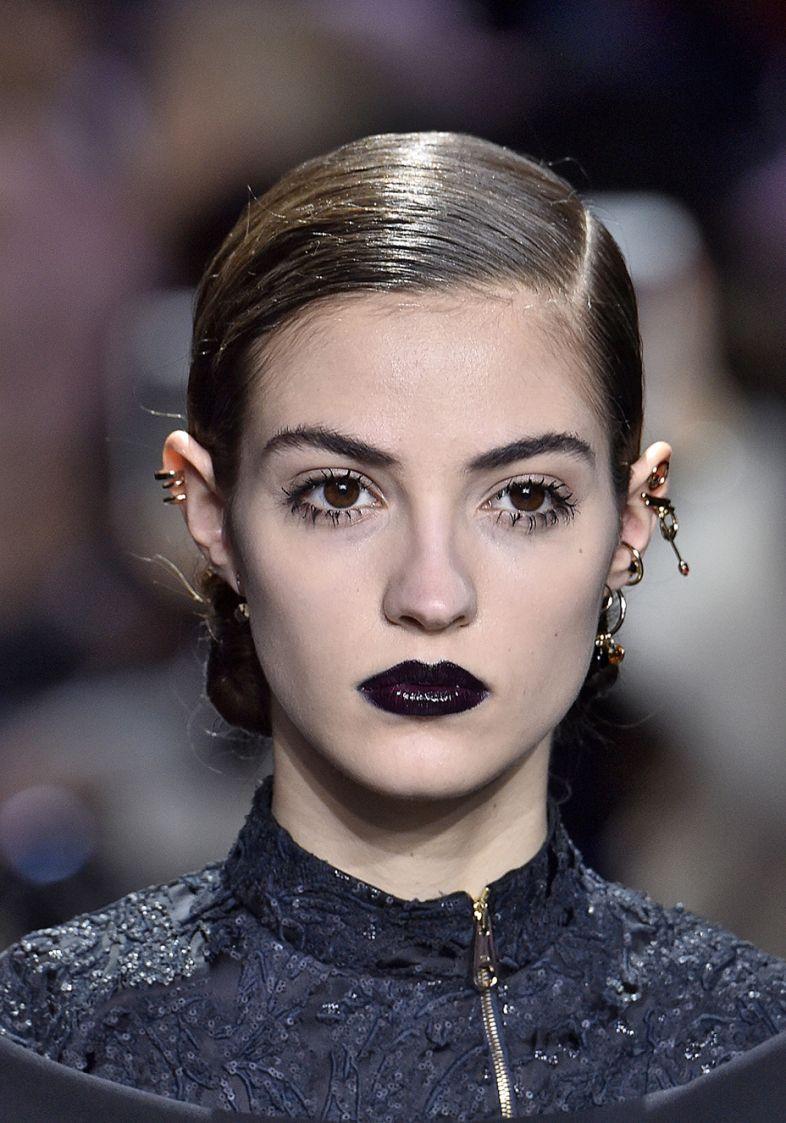 get-the-look-batom-preto-semanas-de-moda-dior