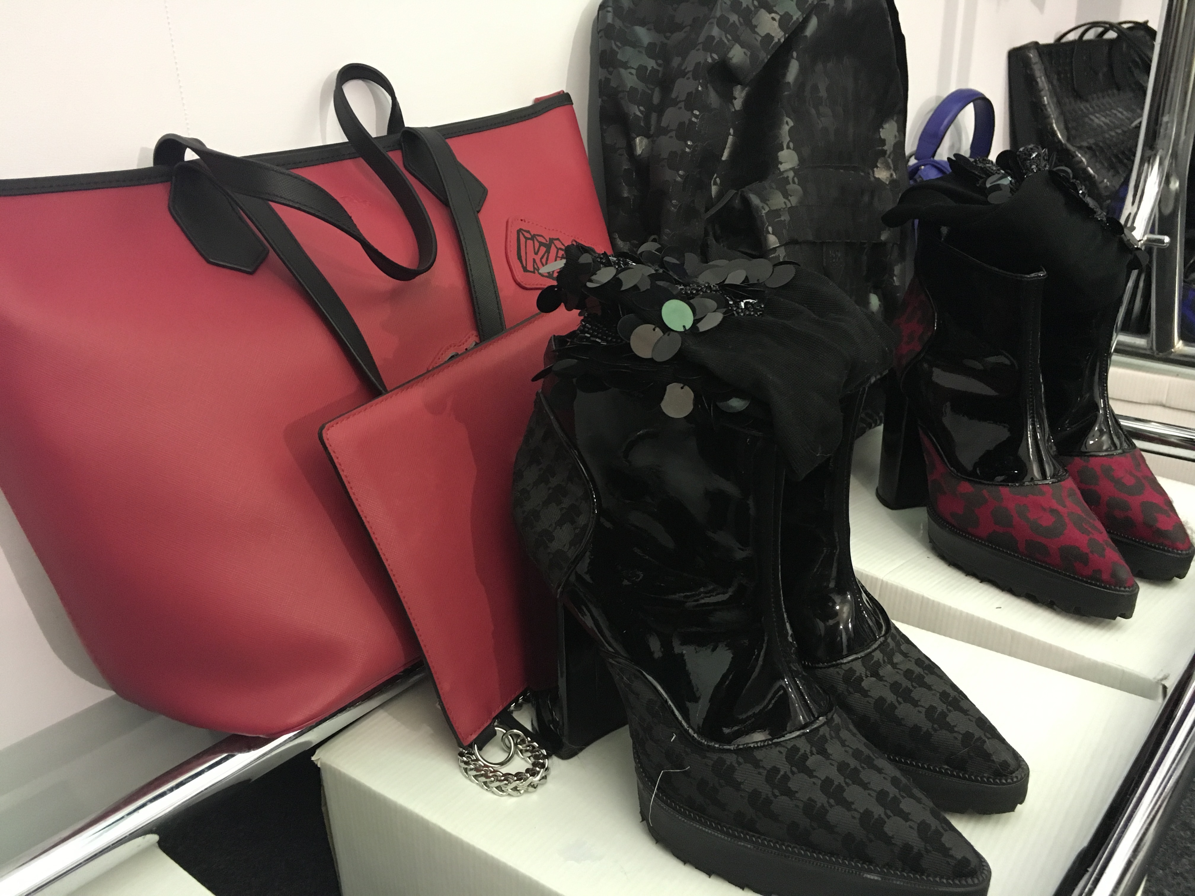 get-the-look-karl-lagerfeld-para-riachuelo-spfw-verao-2016-sapatos-meias