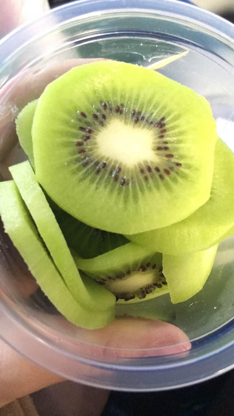 get-the-look-para-nunca-mais-usar-facetune-eat-natural-detox-frutas-kiwi