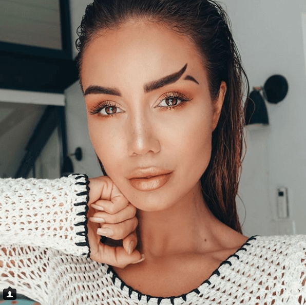 GET-THE-LOOK-TA-NA-MODA-MAS-EU-TO-FORA-FISH-TAIL-BROWS-2
